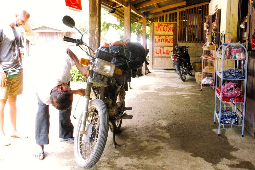laosbymotorbike_housetolaos_015