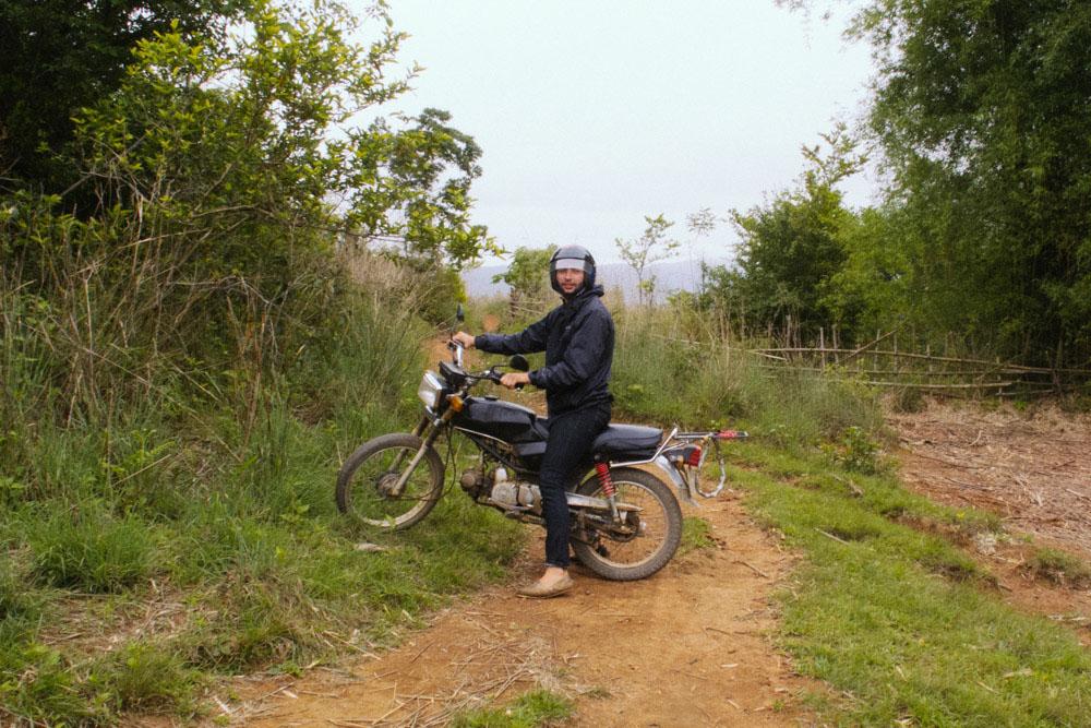 laosbymotorbike_housetolaos_020