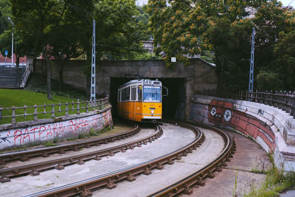 Budapest_housetolaos_-17