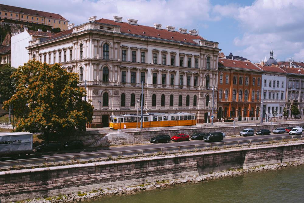 Budapest_housetolaos_-2