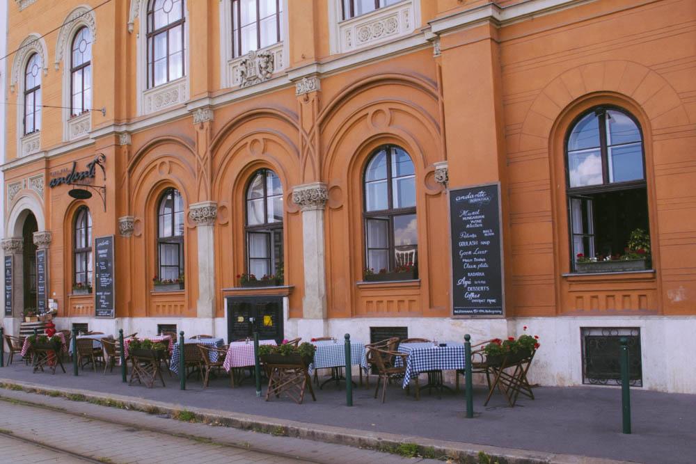 Budapest_housetolaos_-44