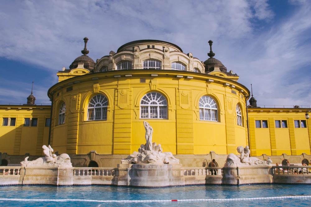 Budapest_housetolaos_-49
