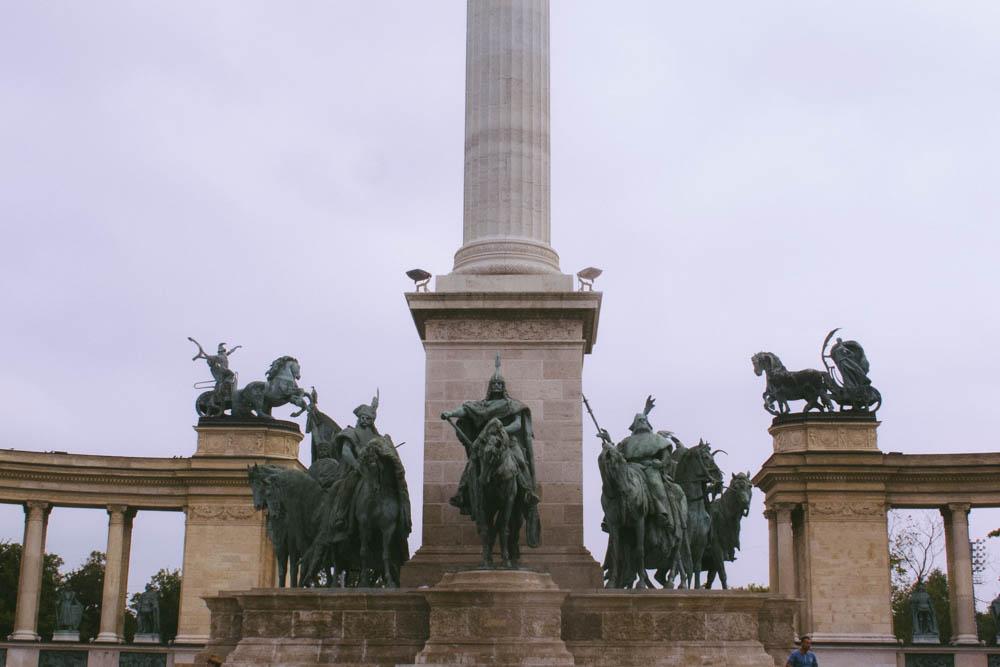 Budapest_housetolaos_-62