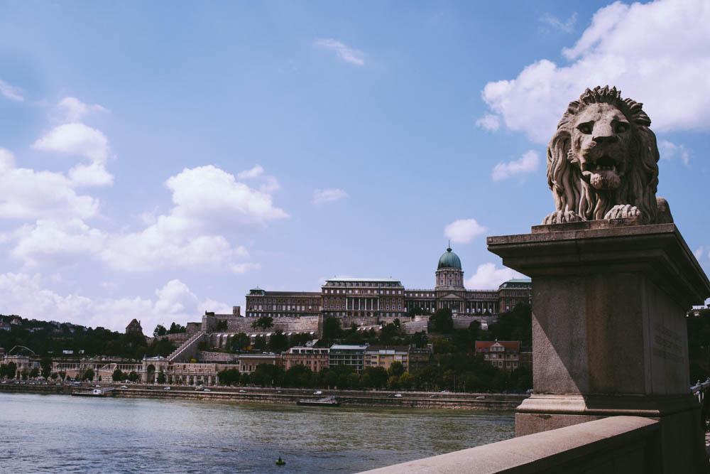 Budapest_housetolaos_